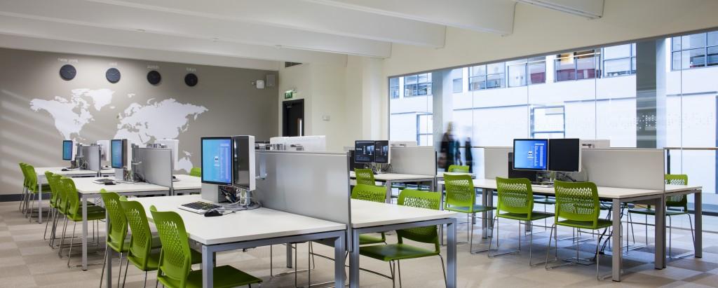 Lochlann Quinn School of Business 1